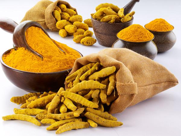 L'incroyable pouvoir du Curcuma associé a des épices : le cocktail d'or Image-du-curcuma
